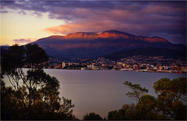 A winter's dawn and views across the Derwent estuary to Hobart and Mount Wellington