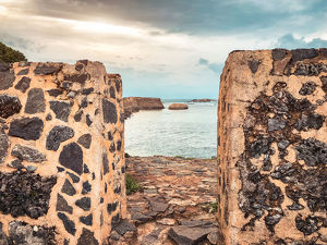 travel/shihan shan/historical old fort wall galle fort located sri